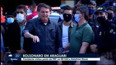 Bolsonaro visita Araguari e conhece o 2º Batalhão Ferroviário - Presidente esteve no município do Triângulo Mineiro na manhã deste sábado (27) a convite do deputado federal José Vitor de Resende Aguiar (PL).