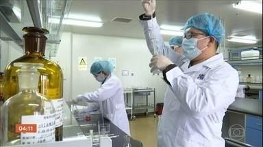 Dois estudos sobre vacina contra Covid-19 estão sendo testados no Brasil - Um deles é o da vacina desenvolvida pela Universidade de Oxford. O Ministério da Saúde já garantiu a compra de 100 milhões de doses.