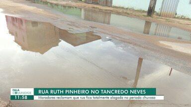 Moradores reclamam que rua fica totalmente alagada no período chuvoso no Tancredo Neves - Os moradores pedem providências para que o problema seja resolvido.