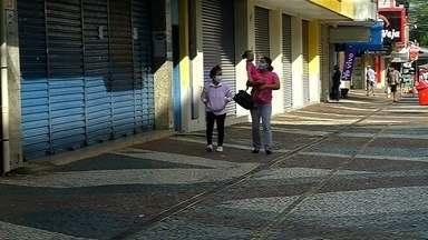 Araçatuba inicia semana na fase 1 do Plano São Paulo - Araçatuba (SP) começou a semana na fase 1 (vermelha) do Plano São Paulo. O município regrediu de classificação porque registrou aumento de internações, casos e mortes.