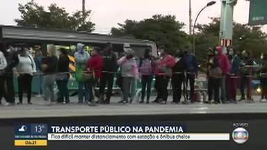 Bom Dia acompanhou movimento em Ribeirão das Neves - Fica difícil manter distanciamento com estação e ônibus cheios.