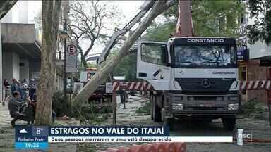 Duas pessoas morrem e uma está desaparecida por conta de ciclone no Vale do Itajaí - Duas pessoas morrem e uma está desaparecida por conta de ciclone no Vale do Itajaí