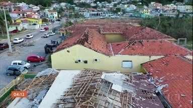 Pelo menos 11 pessoas morrem após passagem do ciclone 'bomba' no Sul - Muitas famílias vão ter que encontrar forças para reconstruir tudo que perderam.