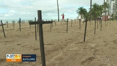 Ato em Boa Viagem homenageia vítimas da Covid-19 - Grupo relembrou as mais de 60 mil mortes registradas no país.