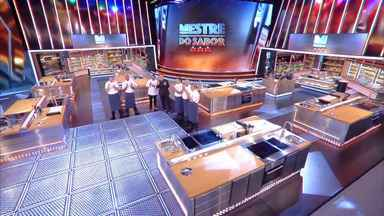 Programa de 02/07/2020 - Competição entre chefs profissionais apresentada por Claude Troisgros e Batista. Com os mestres Leo Paixão, Kátia Barbosa e José Avillez, e a cobertura de Monique Alfradique.