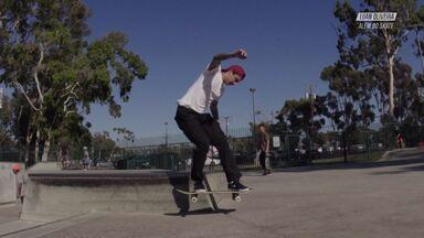Nas Pistas Da Califórnia - Luan mostra sua segunda casa, em Long Beach na Califórnia, e o lugar que ele mais gosta de andar de skate, a Cherry Skatepark. Ele vai na Costa Mesa Skatepark e em um mini ditch perto de sua casa, acompanhado de seu amigo Rafael Xavier.