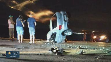 Uma pessoa morre e duas ficam gravemente feridas em acidente em Igarapava, SP - Dois carros bateram de frente em estrada conhecida como antiga Anhanguera.