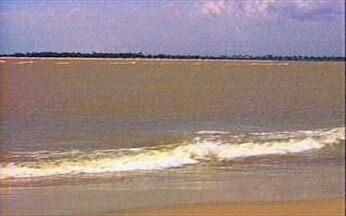 Penedo: ponto de encontro do Velho Chico com o mar - Em Penedo (AL), o Rio São Francisco encontra o oceano mansamente, sem pororocas. Aos poucos, o rio vai ficando salgado e o mar ganha o gosto doce e a cor parda do Velho Chico.