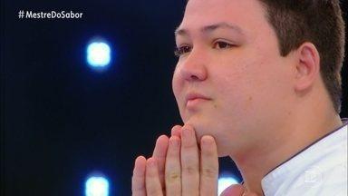 Júnior apresenta o prato 'Socarrat com Arroz Bomba' - Confira