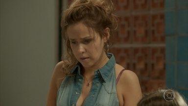 Gilda vê fotos do ensaio e reconhece Zé Pedro - Zé Pedro conta a Jonatas que Eliza avançou no concurso. Arthur tenta convencer Eliza a continuar morando em sua casa