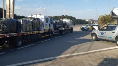 Polícia Rodoviária apreende quatro toneladas de produtos contrabandeados em Itu - A Polícia Rodoviária de Sorocaba (SP) apreendeu quatro toneladas de produtos contrabandeados na manhã deste sábado (11), no quilômetro 74 da Rodovia Castelo Branco, em Itu (SP).