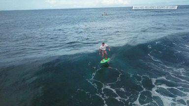 Kandui Villas - Em Mentawai, a família Nalu aproveita para explorar outras atrações do resort . Fabi, Bella e Pato curtem um passeio de stand-up por um mangue de águas cristalinas e fazem um mergulho antes de mais um dia de surfe.