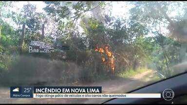 Incêndio atinge pátio de veículos, em Nova Lima - De acordo com o Corpo de Bombeiros, oito carros foram queimados.