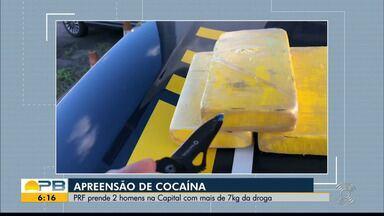 Dupla é presa com 7 kg de cocaína escondida em fundo falso de carro, em João Pessoa - O prejuízo estimado à organização criminosa que receberia a droga é de mais de R$ 300 mil reais.