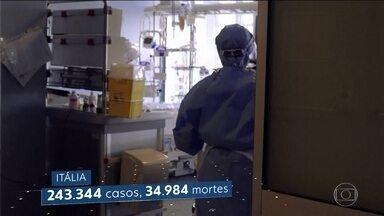 Parentes de vítimas da pandemia na Itália questionam demora do governo em adotar medidas - Famílias querem que a demora das autoridades em reagir contra a doença seja considerada crime contra a humanidade.