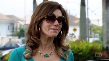 Tereza Cristina procura Griselda - A perua quer descobrir o que a rival sabe sobre seu segredo