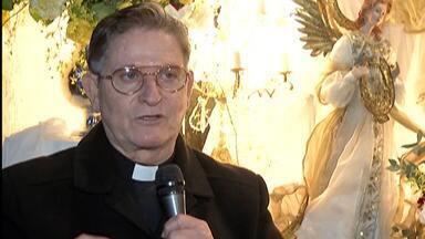 Igrejas se adaptam para manter cultos e missas no Alto Tietê - Tecnologia tem sido aliada para que todos possam participar.
