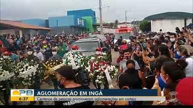 Vídeos mostram aglomeração em cortejo fúnebre de prefeito de Ingá que morreu de Covid-19 - Manoel da Lenha (PSD) faleceu na manhã desta quinta-feira. Secretária de saúde do município disse que não houve velório e que o sepultamento aconteceu com o cemitério fechado.