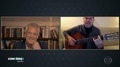 Programa de 22/07/2020 - Pedro Bial conversa com o músico João Bosco, parceiro e amigo de Aldir Blanc, um dos mais de 80 mil mortos pelo coronavírus no Brasil. No programa, Bosco revela vídeos e bilhetes inéditos de Aldir