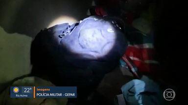PM encontra casa com armas e drogas na capital - Polícia apreendeu material no Aglomerado da Serra.