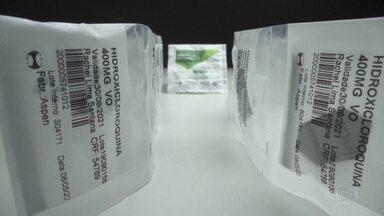 Hidroxicloroquina não faz diferença na evolução de pacientes com Covid-19, diz estudo - Testes foram feitos em hospitais brasileiros e não constataram diferença entre a evolução de pacientes com sintomas leves e moderados da doença que receberam tratamento com o medicamento e um antibiótico e os que não receberam.