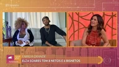 Flavio Renegado destaca a jovialidade de Elza Soares - Elza Soares é a madrinha musical de Flavio