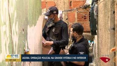 Nona fase da Operação Caim é deflagrada nesta sexta-feira (24) - Somente no Morro da Garrafa, em Vitória, serão cumpridos 16 mandados de prisão e de busca e apreensão.