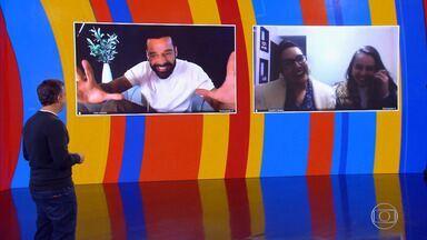 Ricky Martin surpreende fãs no 'Caldeirão' - Fãs ficam nervosas ao falar com o astro da música