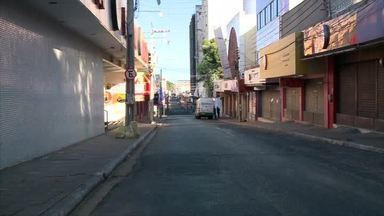 Guarda Municipal fecham estabelecimentos em final de semana de lockdown parcial - Guarda Municipal fecham estabelecimentos em final de semana de lockdown parcial