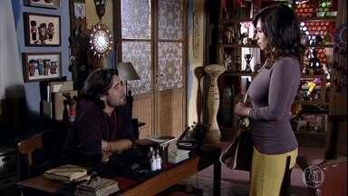 Joana pede ajuda a Mandrake - Luana avisa que a irmã de Marcela não encontrará o que procura no hospital