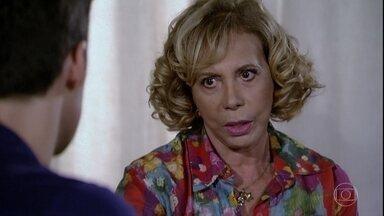 Vilma questiona doença de Chiara - Juan se choca ao saber que a ex-mulher disse poucas e boas para Letícia e avisa que acompanhará Chiara ao médico