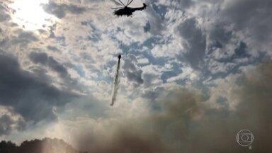 Marinha e bombeiros combatem incêndios no Pantanal - Focos de incêndio passam de 4 mil