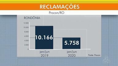 Reclamações no Procon aumentam 32% - Balanço divulgado pelo órgão mostra maior número de denúncias.