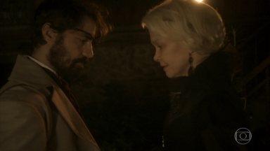Ferdinando tranquiliza Greta pelo que os dois fizeram na mata - Greta agradece o botânico por não julgá-la mal. Wolfgang estranha ao ver a irmã chegando no meio do jantar