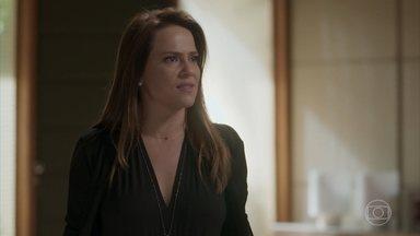 """Lili afirma que não prejudicará Eliza - Apesar das críticas a Germano, a empresária reconhece que a ruiva merece o título de """"Garota Totalmente Demais"""""""