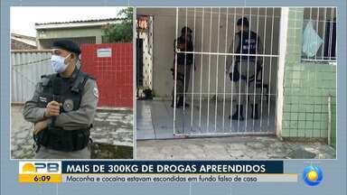Mais de 400kg de drogas são apreendidas em Mangabeira - Entorpecentes estavam escondidos em fundo falso de uma casa.