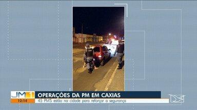 PM faz operação em Caxias para combater roubo de veículos - Mais de 40 policiais militares, incluindo o Centro Tático Aéreo, estão na cidade.