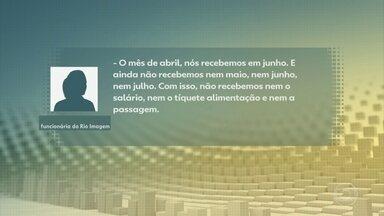 Servidores de 13 unidades de saúde estão com salários atrasados, no Rio - O estado do Rio de Janeiro já perdeu mais de 13 mil vidas por causa da Covid e soma quase 160 mil infectados. Em plena pandemia, funcionários de 13 unidades estaduais de saúde do Rio estão com os salários atrasados.