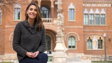 Barcelona - É em terras da Catalunha que Mel explora o núcleo mais antigo da cidade de Barcelona apreciando bons restaurantes e conversando com chefes renomado.