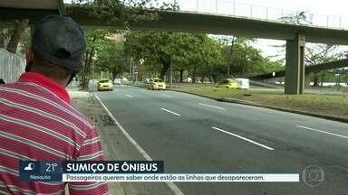 Passageiros sofrem com sumiço de linhas de ônibus no Rio - Há dez dias as equipes do RJ2 estão nas ruas ouvindo dezenas, centenas de passageiros que reclamam do sumiço de várias linhas de ônibus na cidade. Nem a prefeitura nem a Rio Ônibus sabem dizer quais as linhas que saíram de circulação, nem por que.