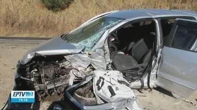 Quatro pessoas ficam feridas em acidente entre Itaú de Minas e São Sebastião do Paraíso - Quatro pessoas ficam feridas em acidente entre Itaú de Minas e São Sebastião do Paraíso