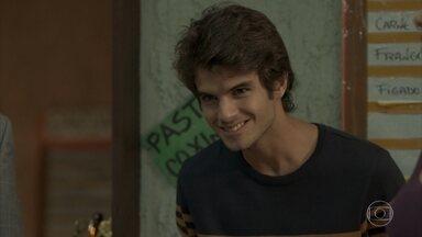 Fabinho se apresenta como irmão de Eliza para Dayse e Carlinhos - undefined