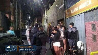 Quase mil pessoas participam de baile funk, em Belo Horizonte - Também houve aglomeração na porta de alguns estabelecimentos comerciais.