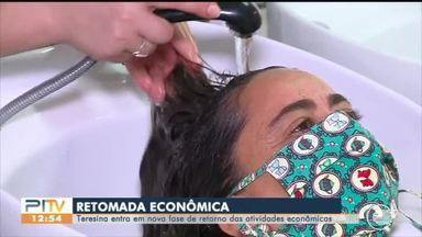 Salões de beleza e barbearias voltam a funcionar em Teresina - Salões de beleza e barbearias voltam a funcionar hoje (10)