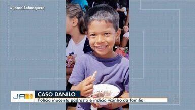 Padrasto de menino morto afogado em lama segue preso mesmo após ser inocentado - Soltura dele deve ser analisada pelo Poder Judiciário. Ele negou envolvimento no caso desde que foi preso.