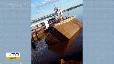 Motorista esquece de travar freios e caminhão cai no rio em Porto Nacional - Motorista esquece de travar freios e caminhão cai no rio em Porto Nacional