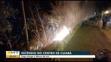 Imagens mostram queimada no Morro da Luz em Cuiabá - Imagens mostram queimada no Morro da Luz em Cuiabá