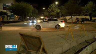 Rotatórias em construção em duas avenidas de Petrolina gera transtornos no trânsito - As rotatórias ficam localizadas nas avenidas Monsenhor Ângelo Sampaio e Integração.