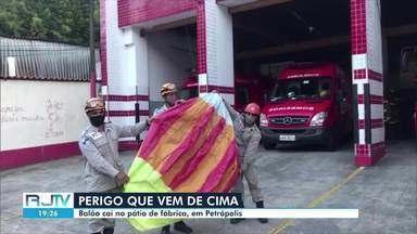 Balão cai em pátio de fábrica em Petrópolis, no RJ - De acordo com os bombeiros, balão de cerca de 2 metros caiu próximo ao quadro de distribuição de forças da fábrica nesta quinta-feira (13).