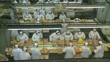 China anuncia que encontrou coronavírus em remessa de frango importado do Brasil - Por enquanto, nenhuma medida contra o produto brasileiro vai ser tomada. Consultada sobre o assunto, a OMS procurou tranquilizar todo mundo.